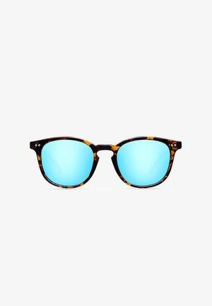 BANNA - Sunglasses - tigris sky