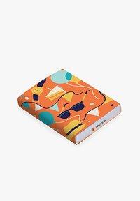 Zalando - HAPPY BIRTHDAY - Tarjeta regalo en una caja - orange - 2