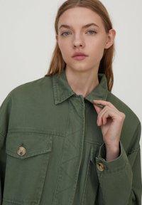PULL&BEAR - Summer jacket - khaki - 4
