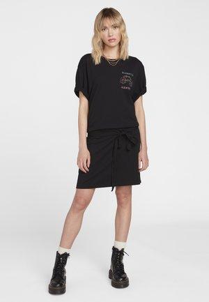 OZZY ALIEN - Jerseykleid - black