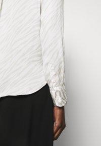 Banana Republic - DILLON SOFT - Button-down blouse - beige - 6