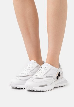 ZONE IKON RUNNER - Trainers - white/silver