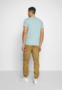 Superdry - Cargobyxor - cotswold gold - 2
