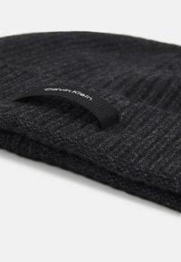 Calvin Klein - DADDY BEANIE UNISEX - Pipo - black - 2