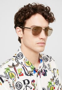 Versace - Sunglasses - gold-coloured/brown - 1