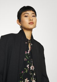 Dorothy Perkins - FLORAL DOBBY TIE NECK - Button-down blouse - black - 3