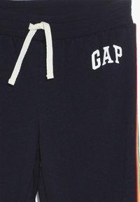 GAP - GIRL  LOGO - Träningsbyxor - navy uniform - 4