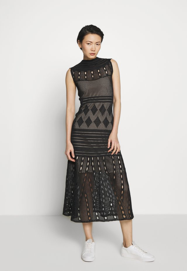 SEETHROUGH DRESS - Pletené šaty - black