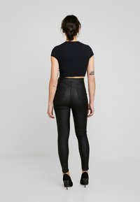 Missguided Petite - VICE COATED  - Bukse - black - 3
