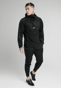 SIKSILK - TRANQUIL QUARTER ZIP - Camiseta de manga larga - black - 1