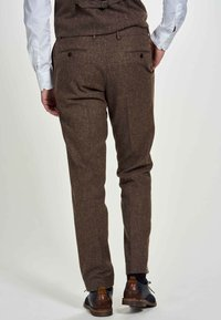 MDB IMPECCABLE - Suit trousers - sand - 2