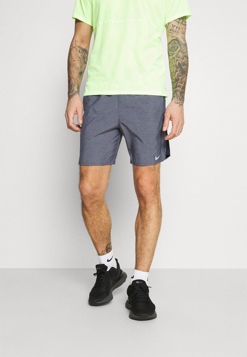 Nike Performance - CHALLENGER SHORT  - Korte sportsbukser - dark blue