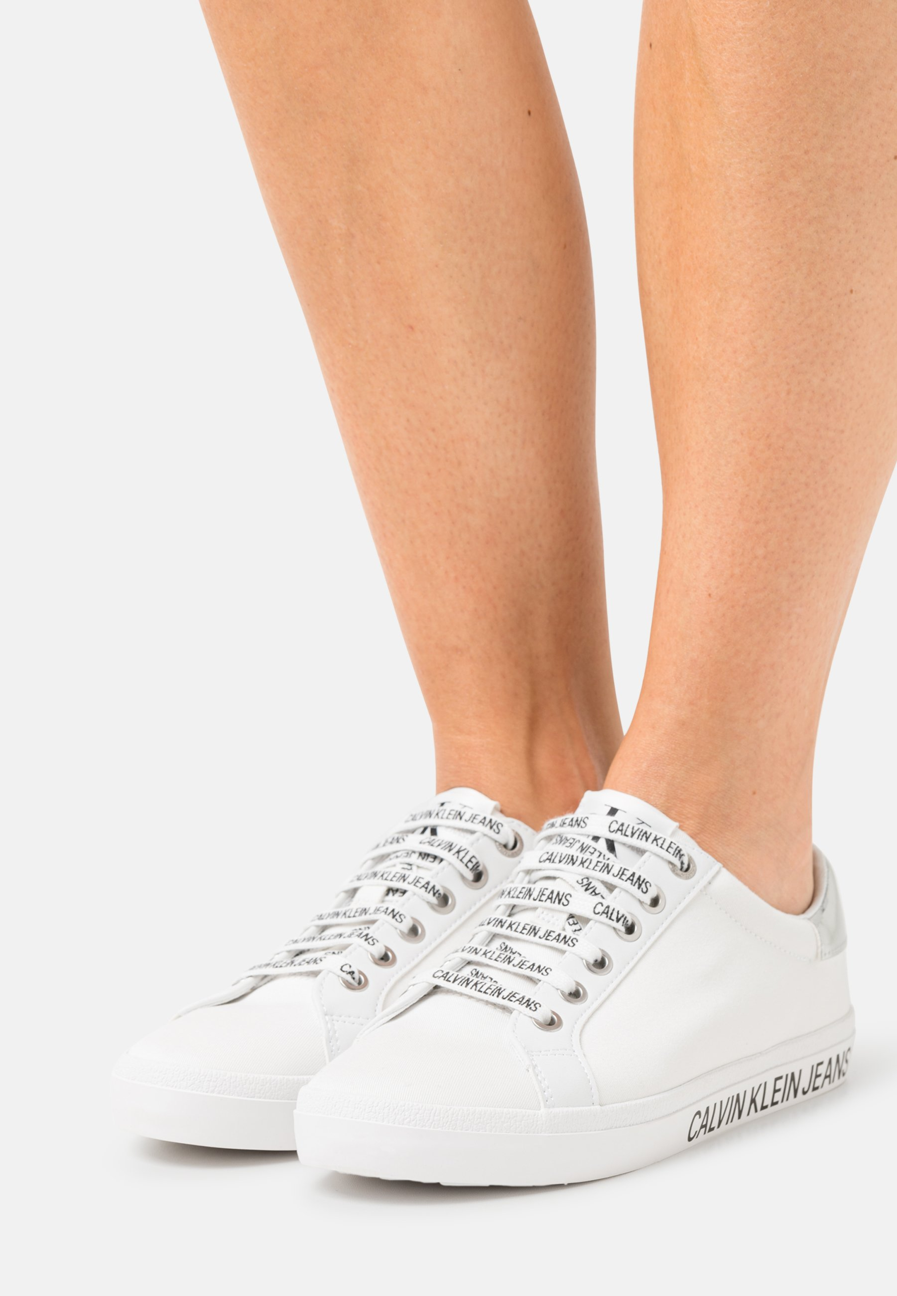 Women LACEUP - Trainers