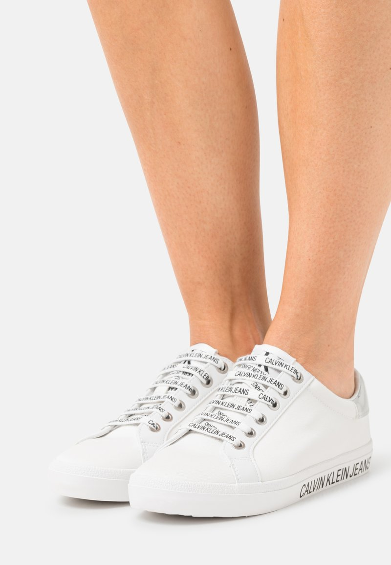 Calvin Klein Jeans - LACEUP - Trainers - bright white