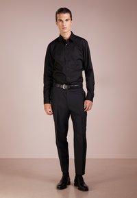 KARL LAGERFELD - Kostymskjorta - black - 1