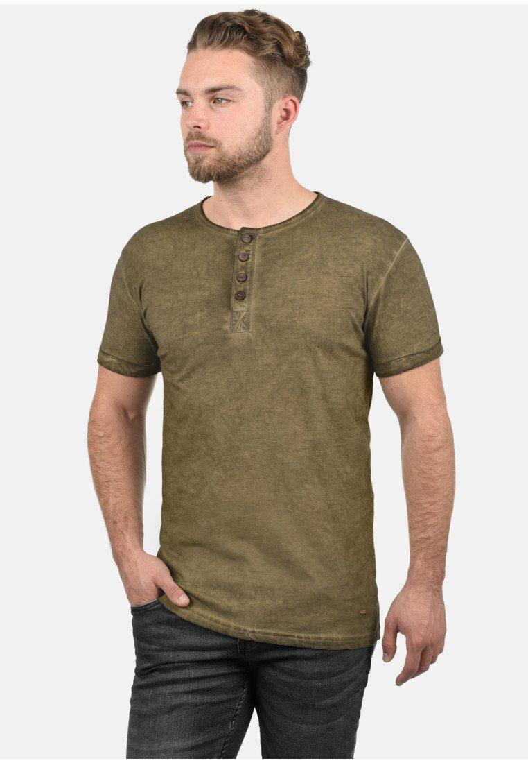Uomo RUNDHALSSHIRT TIHN - T-shirt basic