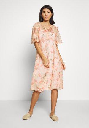 FRIPCHIFLOW DRESS - Shirt dress - coral