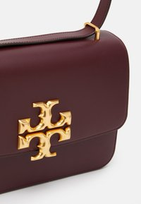 Tory Burch - ELEANOR CONVERTIBLE SHOULDER BAG - Borsa a tracolla - claret - 3