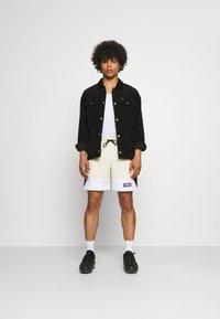 Jordan - Shorts - beach/white/black - 1