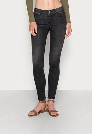 LUZIEN PANTS - Jeans Skinny Fit - black