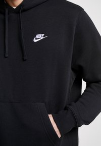 Nike Sportswear - Club Hoodie - Hoodie - black/white - 5