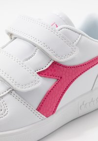 Diadora - PLAYGROUND GIRL - Sports shoes - white/hot pink - 2