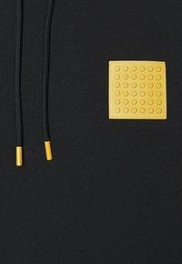 Levi's® - LEGO RELAXED HOODIE UNISEX - Luvtröja - black - 2