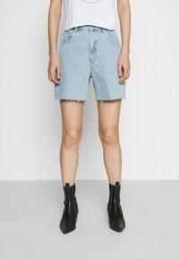 Abrand Jeans - A CLAUDIA CUT OFF - Shorts di jeans - walk away - 0
