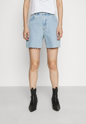 A CLAUDIA CUT OFF - Denim shorts - walk away