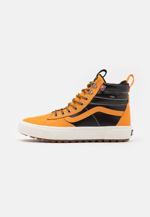 SK8 MTE 2.0 DX UNISEX - Sneakers high - apricot/black