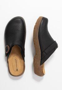 El Naturalista - WAKATIWAI - Pantofle - black - 3