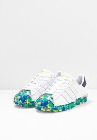 adidas Originals - SUPERSTAR  - Zapatillas - footwear white/legend ink - 2