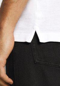 Pier One - 2 PACK - Poloshirts - white/black - 5