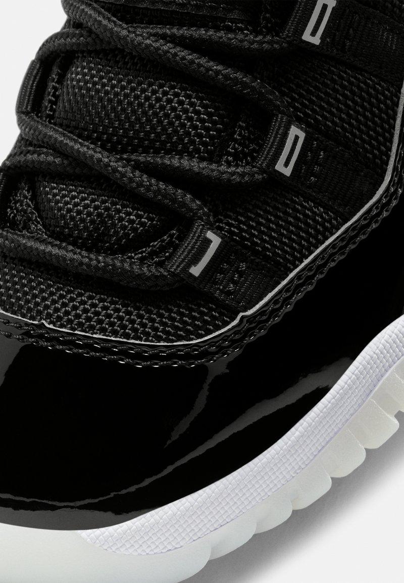 Implementar alumno evolución  Jordan 11 RETRO UNISEX - High-top trainers - black/multicolor/black -  Zalando.co.uk