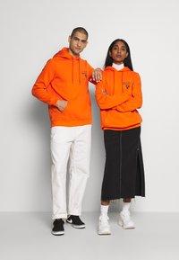 YOURTURN - Luvtröja - orange - 1