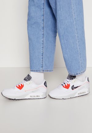 AIR MAX 90 M2Z2 - Sneakersy niskie - white/photon dust/bright crimson