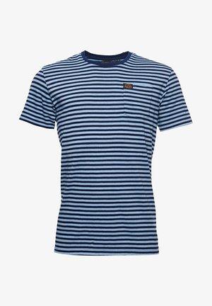 T-shirt con stampa - indigo/pale blue marl stripe