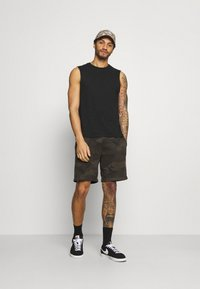 Abercrombie & Fitch - ICON - Shorts - olive - 1
