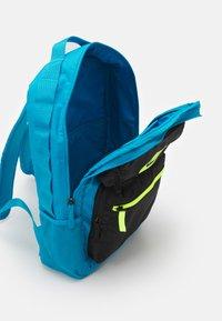 Nike Sportswear - FUTURE PRO 24 L UNISEX - Batoh - laser blue/black/volt - 2