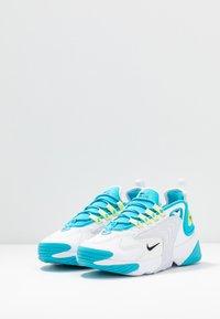 Nike Sportswear - ZOOM 2K - Baskets basses - blue fury/black/white/limelight - 4