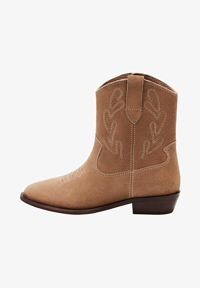 ACAPULCO - Cowboy/biker ankle boot - písková