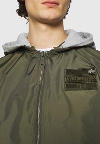 Alpha Industries - HOOD CUSTOM - Bomber Jacket - dark olive - 7