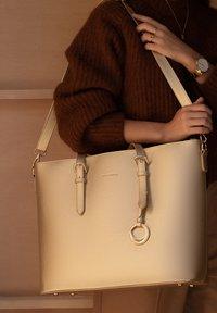Violet Hamden - Handbag - gold - 0