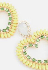 Fire & Glory - FGHEARTINIA EARRINGS - Boucles d'oreilles - gold-coloured/multi - 2