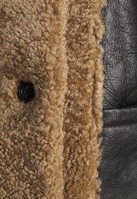 STUDIO ID - OLIVIA CONTRAST FRONT JACKET - Winter jacket - black/cream - 8