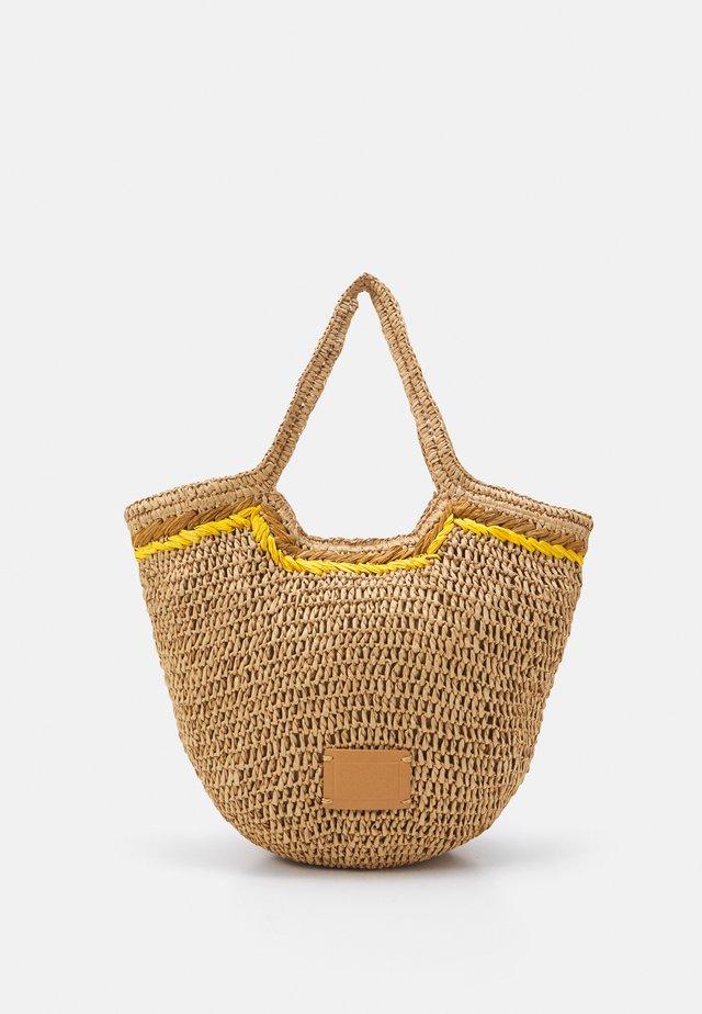 RILEY  - Bolso shopping - camel