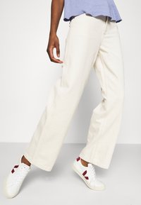 American Vintage - TINEBOROW - Straight leg jeans - ecru - 3