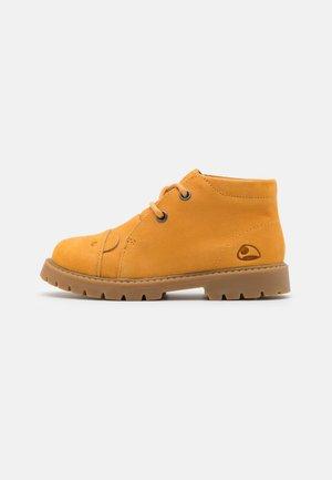 FAIRYTALE LACE UNISEX - Hiking shoes - honey