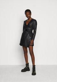2nd Day - ELECTRA - Pouzdrové šaty - black - 1