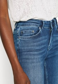 ONLY - ONLBLUSH LIFE - Jeans Skinny Fit - medium blue denim - 4